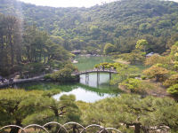 飛来峰からえん月橋.JPG